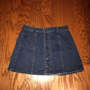 Mid Rise denim skirt with buttons